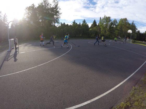 Hockey cosom à Val-Morin