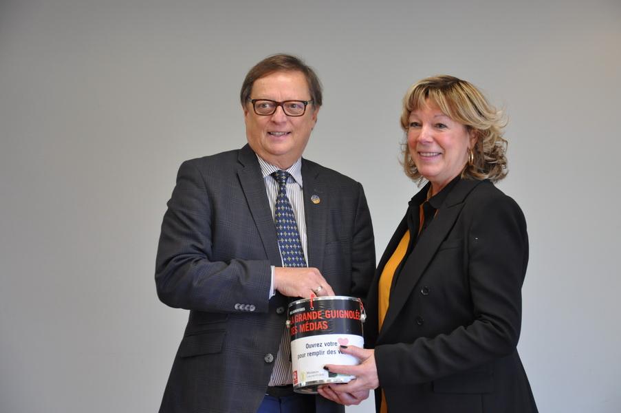 Le député de Bertrand , Claude Cousineau, et sa conjointe Rachel Tousignant sont les porte-paroles de la Grande Guignolée des médias dans la MRC des Laurentides.
