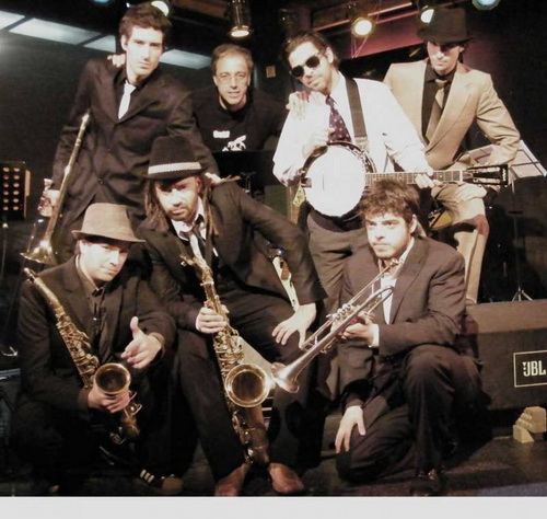 Le Skatton Club band