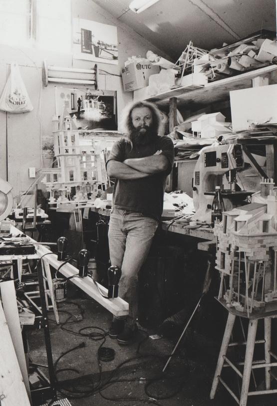 Pierre Leblanc dans son atelier.