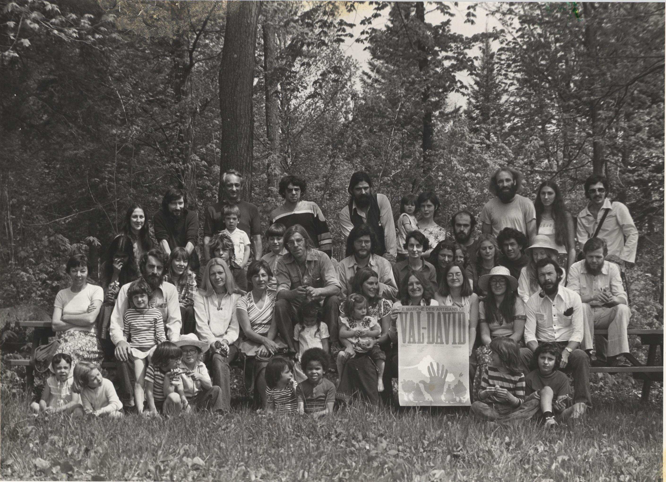 Les artistes du Marché des Créateurs en 1976. La famille avant tout!