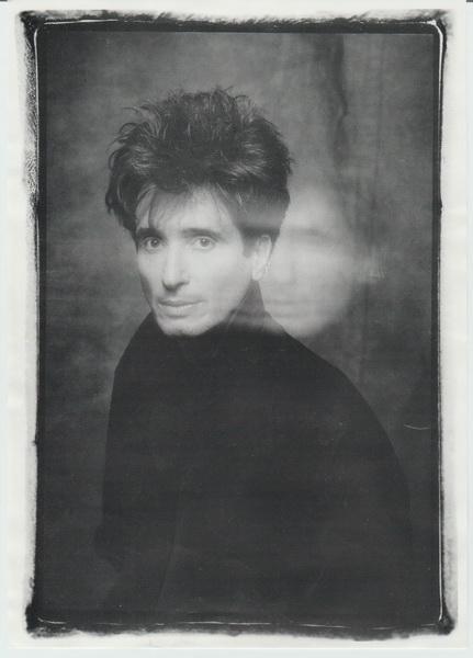 Une photo promotionnelle vers la fin des années 1990.